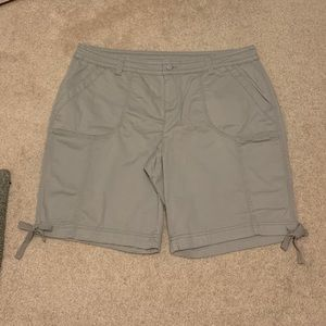 "**NWOT** Faded Glory 10"" Bermuda shorts size 18"